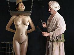 Slavegirls in an oriental..